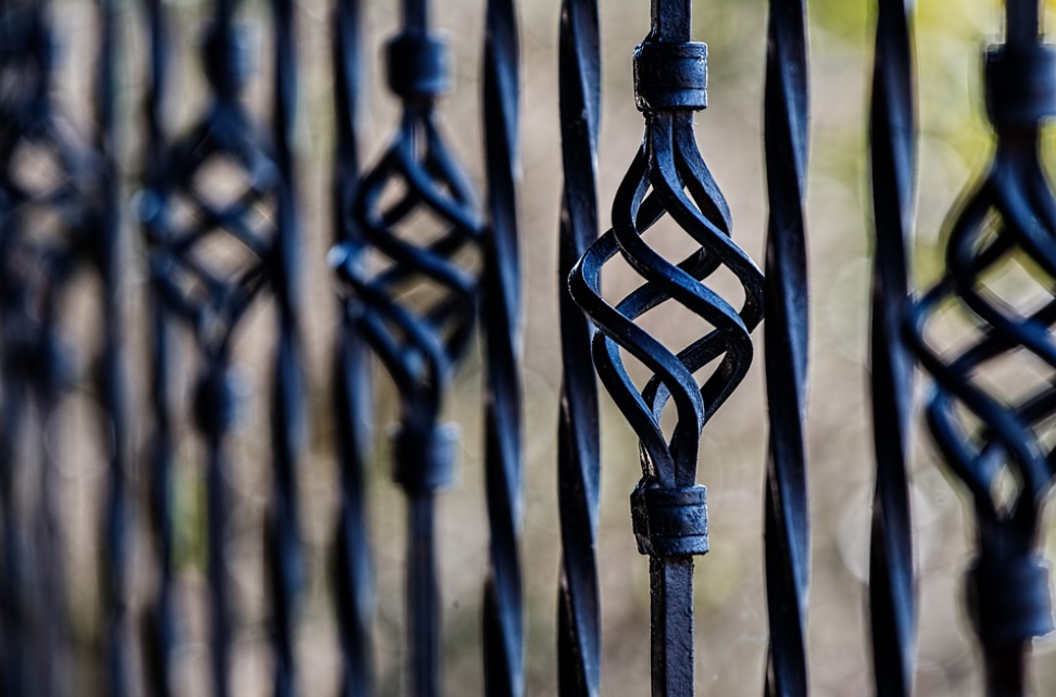 this is a picture of installed fence in Fullerton